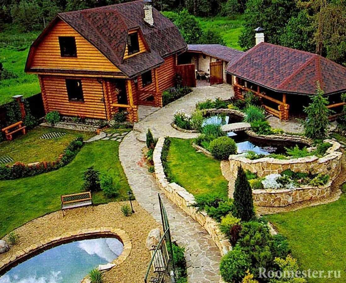 Загородный дом с прудами