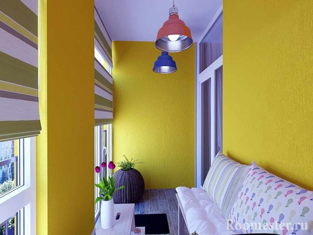 Желтый дизайн балкона