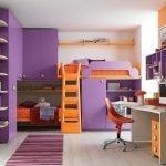 Сиренево-оранжевый интерьер детской