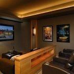 Кожаная мебель в интерьере домашнего кинотеатра