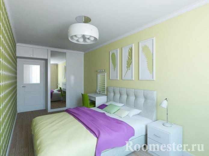 Спальня с вместительным шкафом и антресолью над дверью
