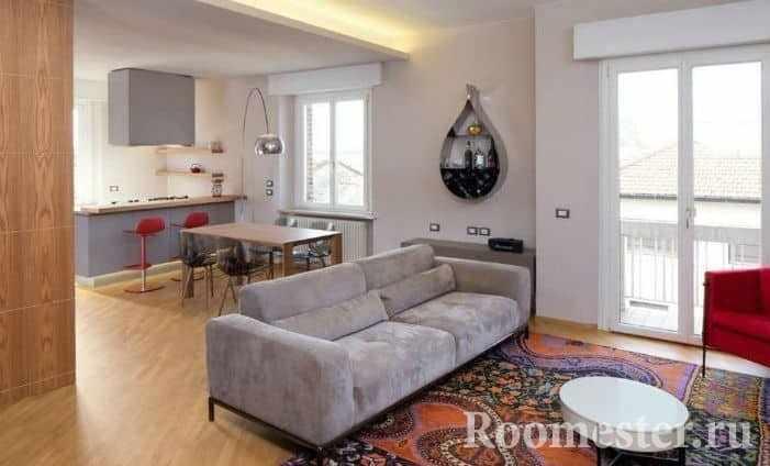 Совмещенная гостиная в типовой квартире