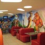 Герои мультиков на стене