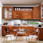 Стол и кресла на кухне