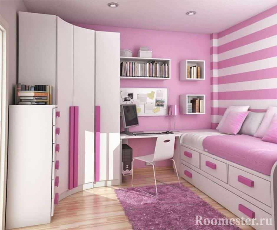 Розово-белая комната для девочки