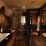 Темный декор ванной