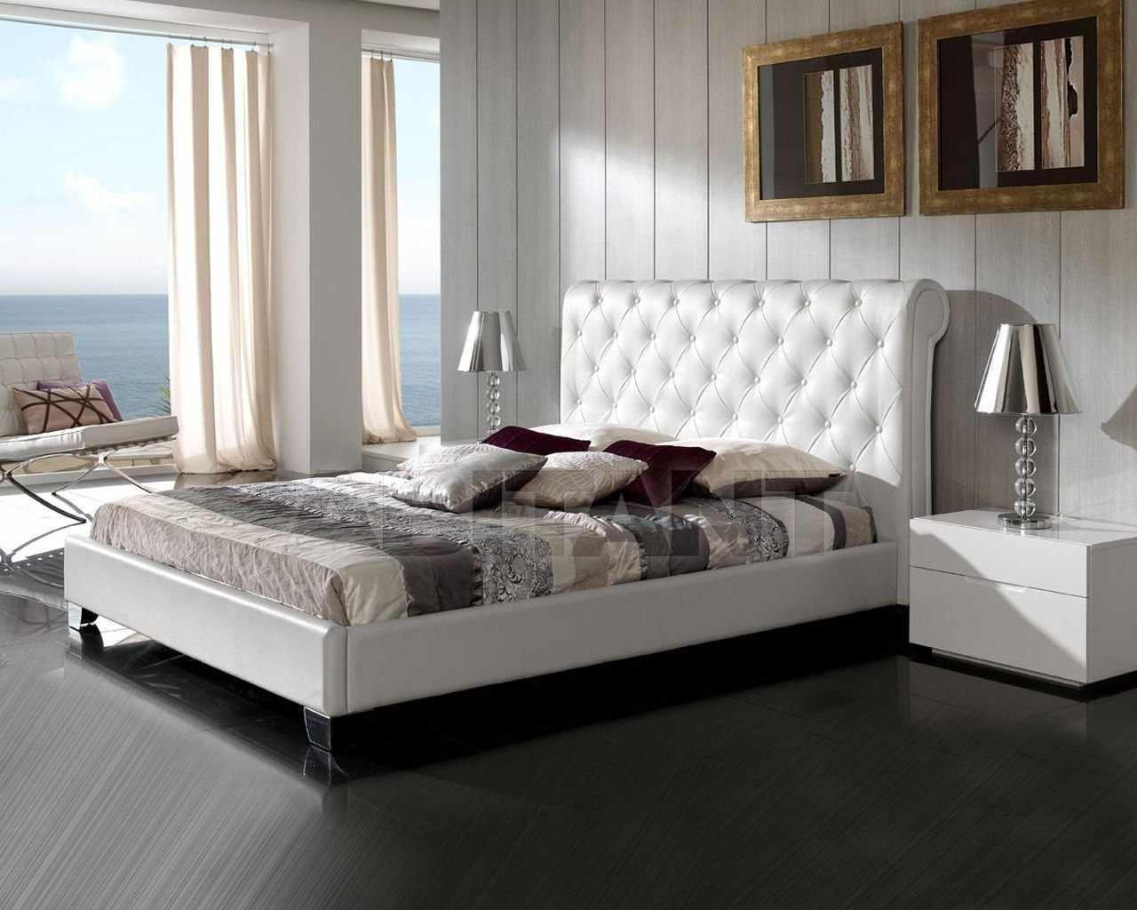 Кровать с матрасом в интерьере