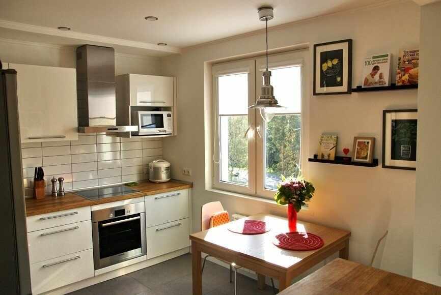 Светлая кухня в квартире