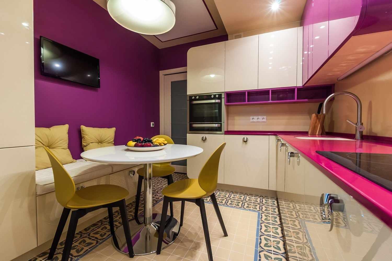 Лиловые стены в кухне