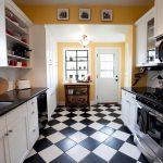 Дизайн кухни с шахматным полом