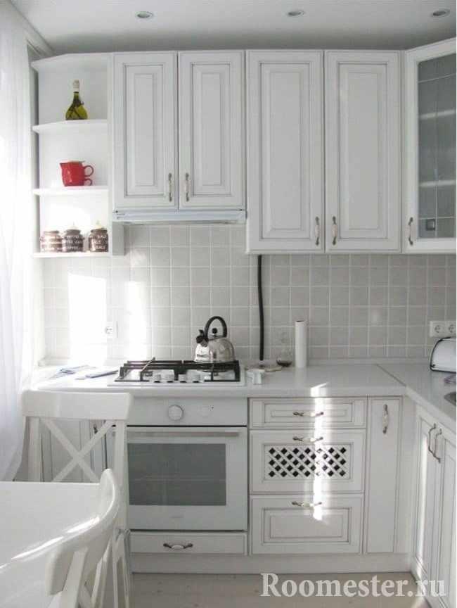 Белая кухня для квартир хрущевок