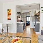 Столовая и кухня в небольшой квартире