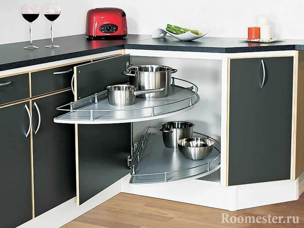 Аксессуары для удобного хранения посуды в кухне маленькой площади