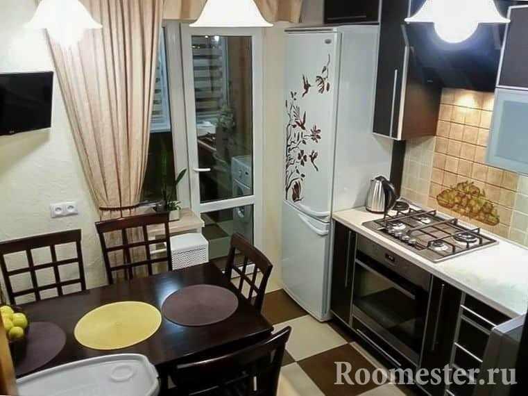 Маленькая кухня в хрущевке с балконом