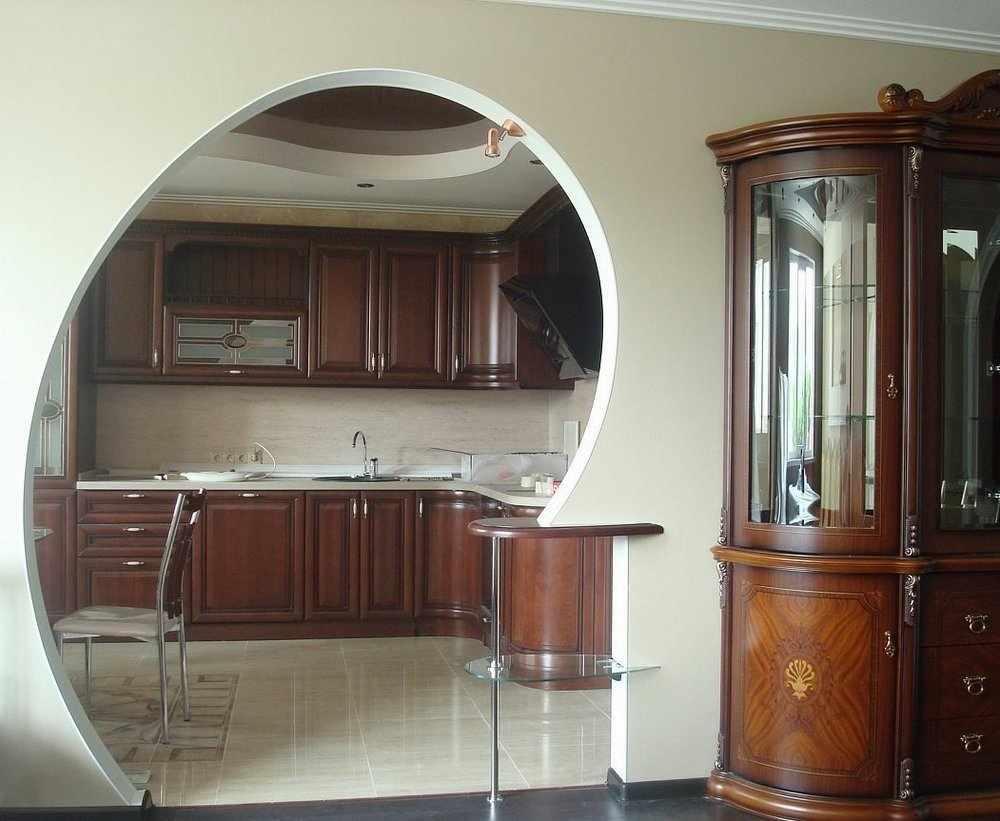 Особенности планировки кухни с аркой