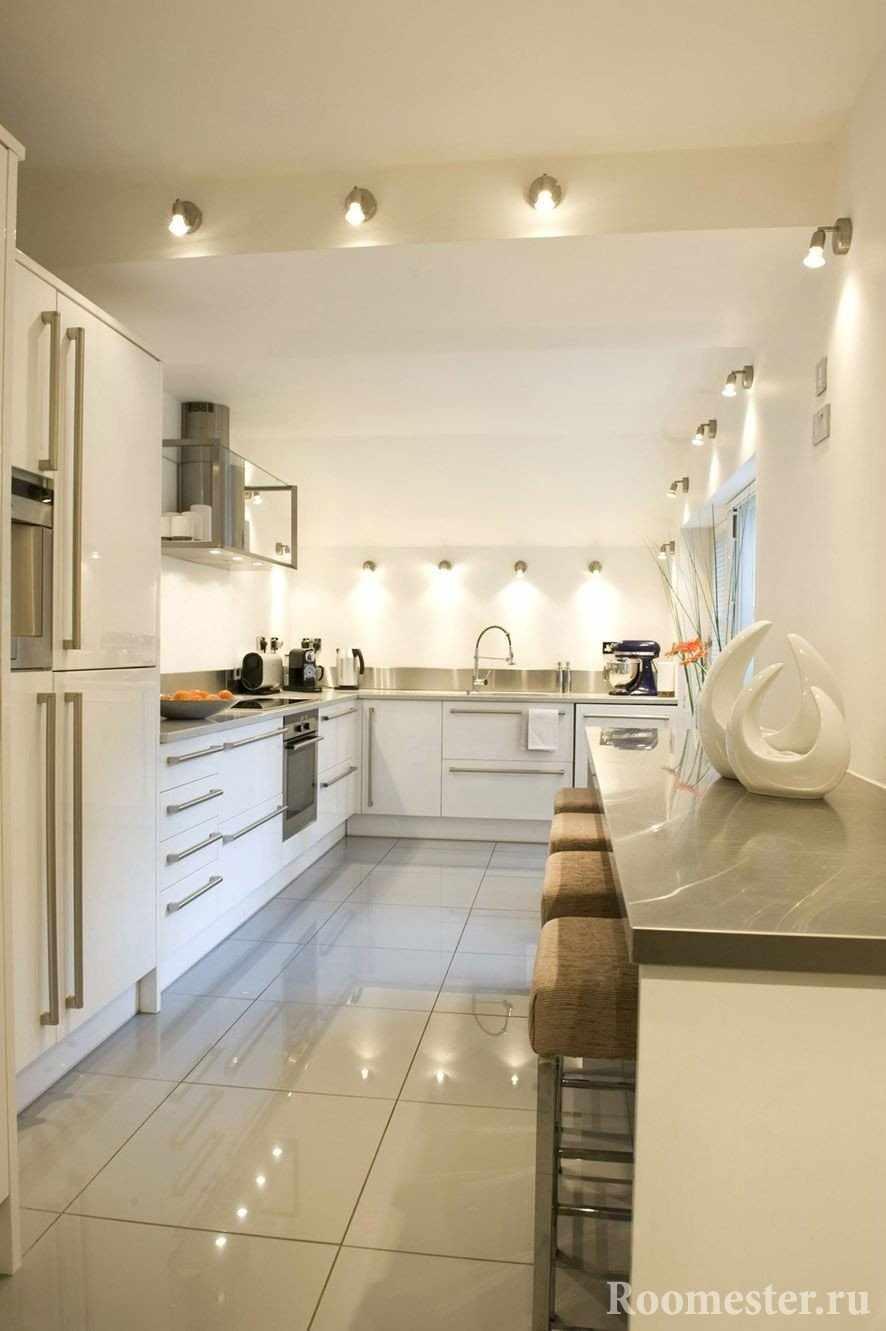 Угловая кухня без верхних ящиков