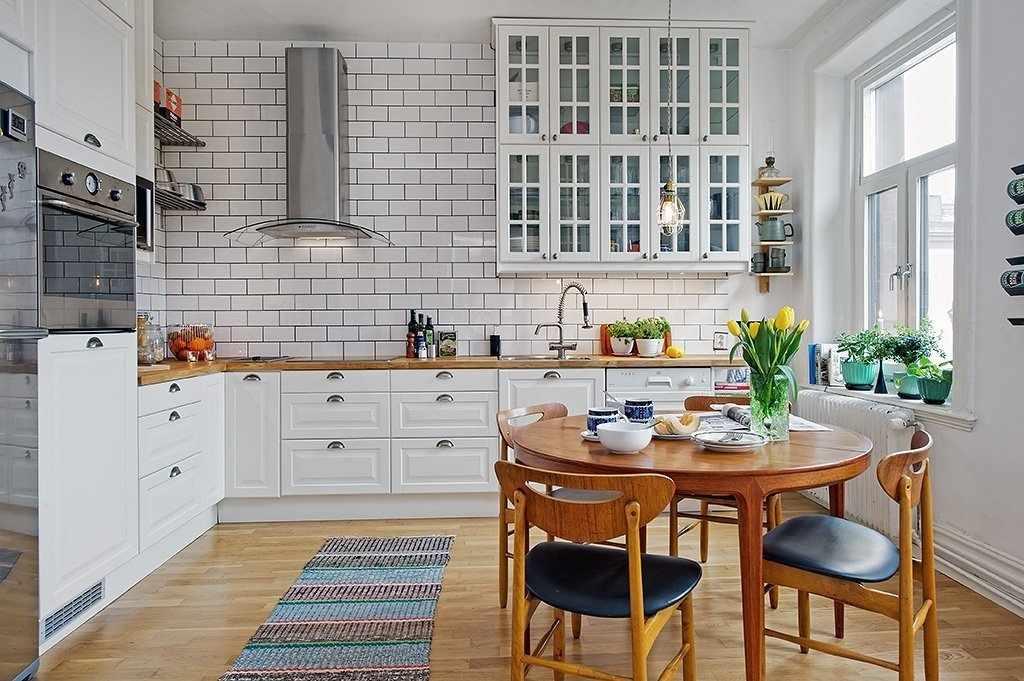 Кухня в скандинавском стиле в доме