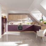 Кухонная мебель с фиолетовым фасадом