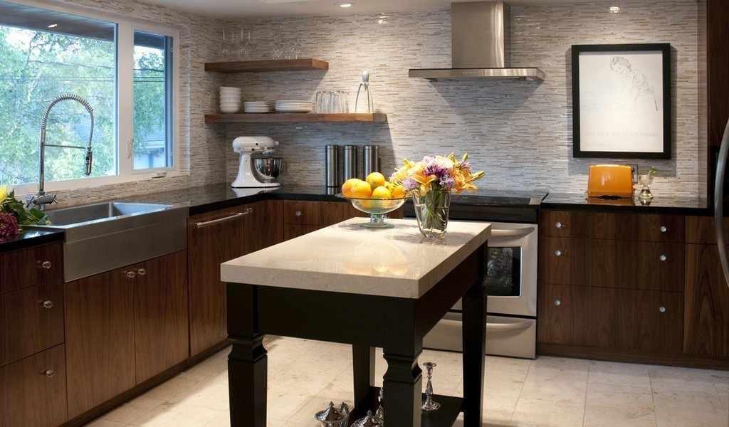 Угловая планировка кухни в доме