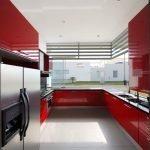 Яркая цветовая гамма в интерьере кухни частного дома