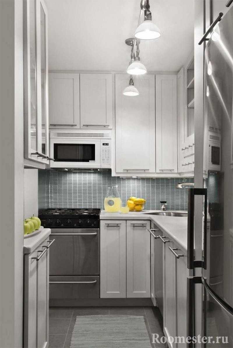 Вариант светильников в маленькой кухне