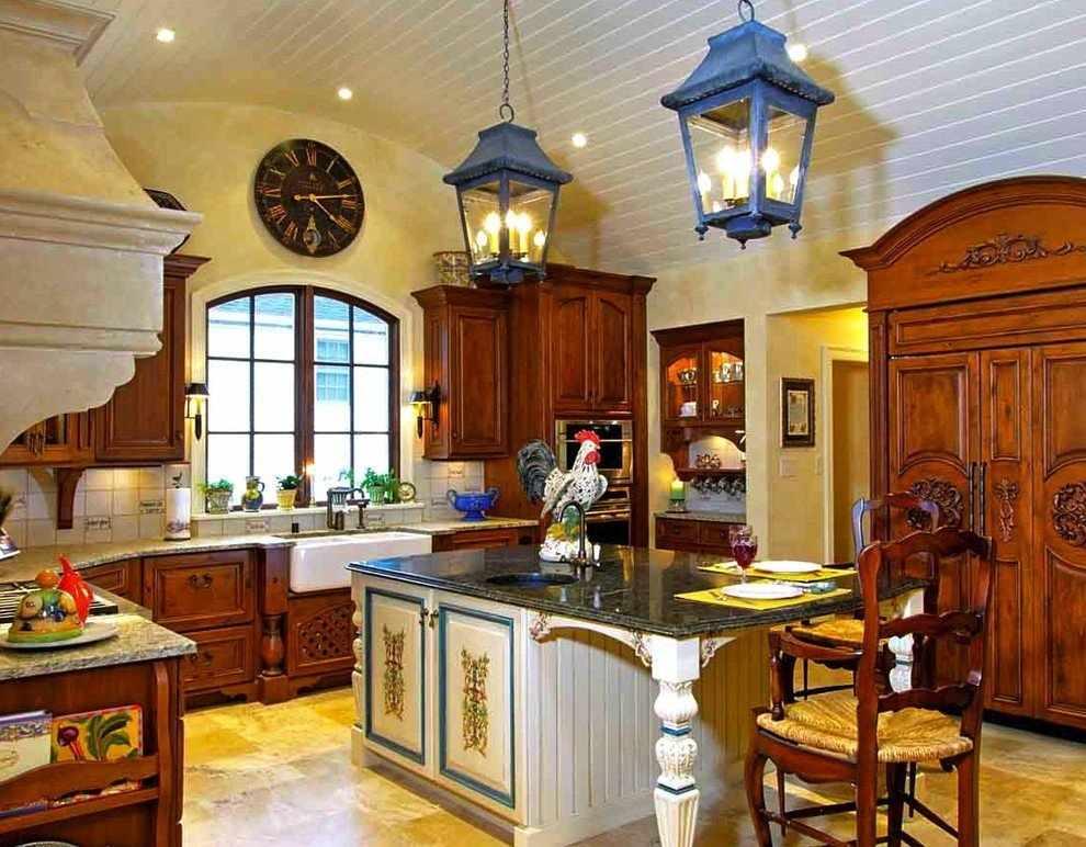 Светлые тона в интерьере кухни в стиле кантри