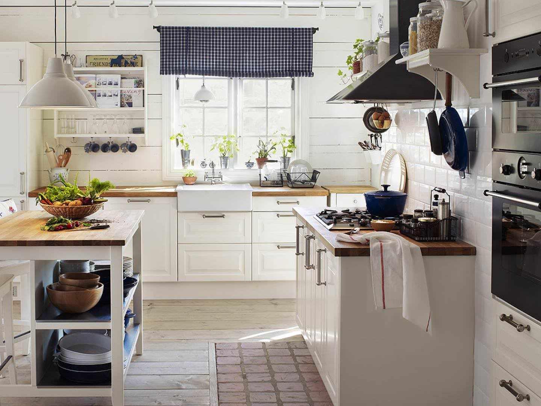Разные напольные покрытия на кухне