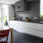 Кухня серая с белым