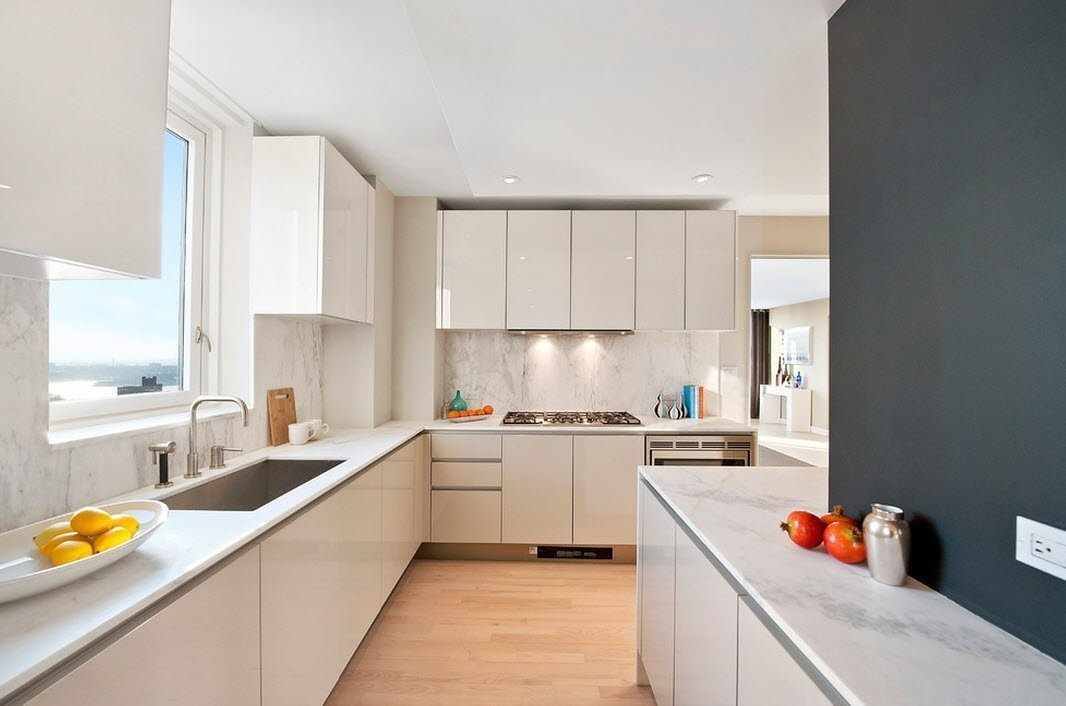 Светлая кухня в стиле модерн