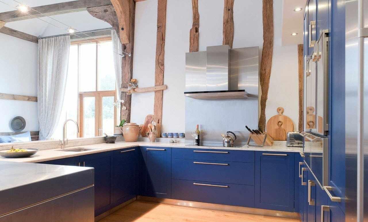 П-образная планировка кухни в загородном доме