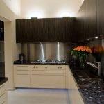 Кухонная мебель с неоновой подсветкой