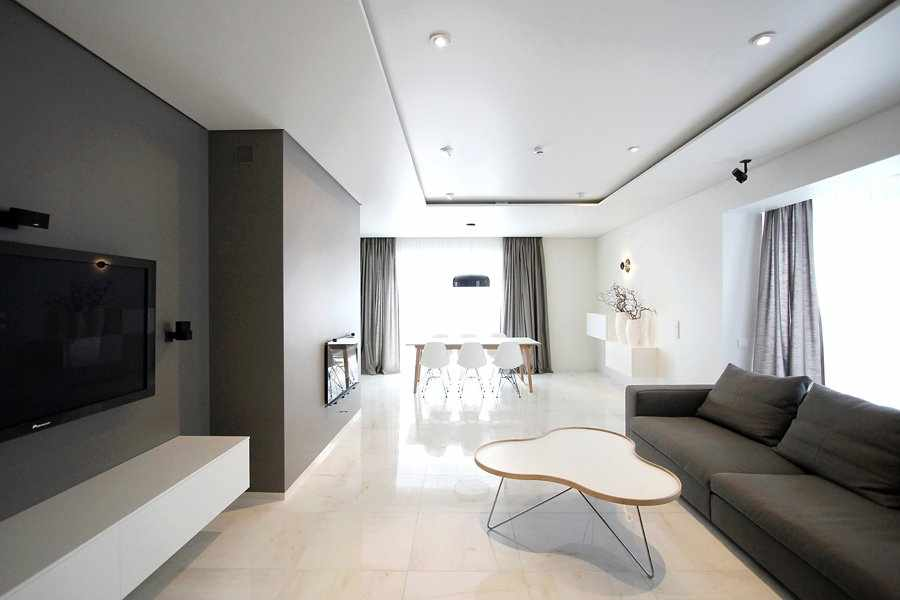 Светильники на потолке и бра
