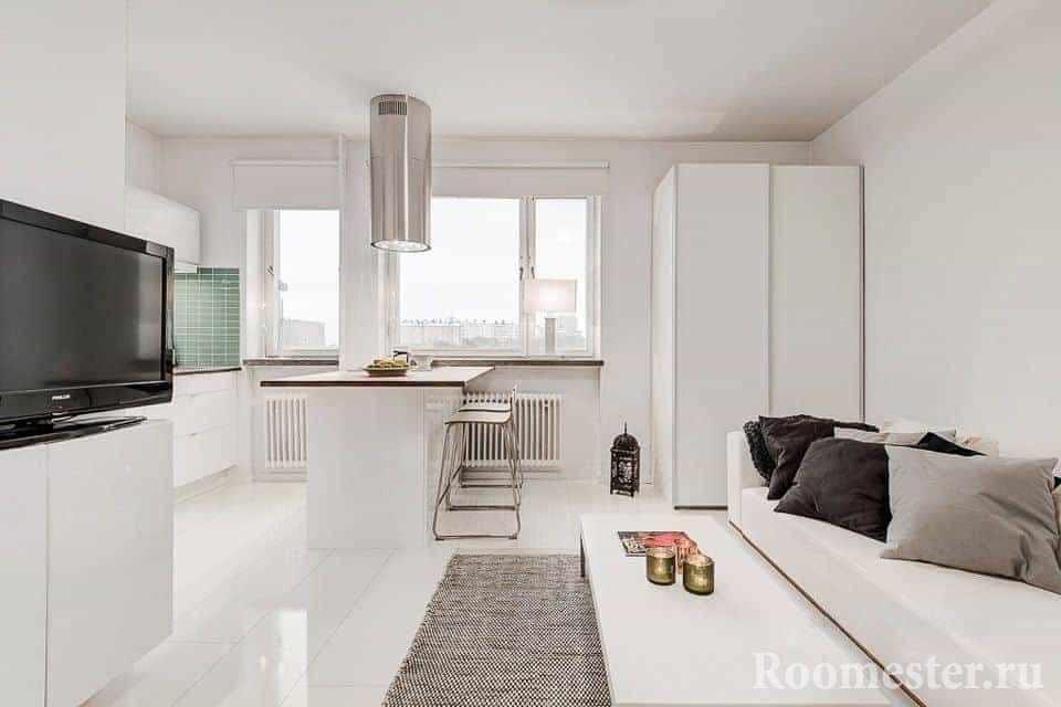 Белая однокомнатная квартира