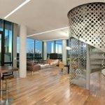 Дизайнерская лестница в частном доме