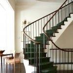 Винтовая лестница в классическом стиле