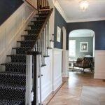 Лестница с ковровым покрытием