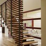 Необычный дизайн лестницы в доме