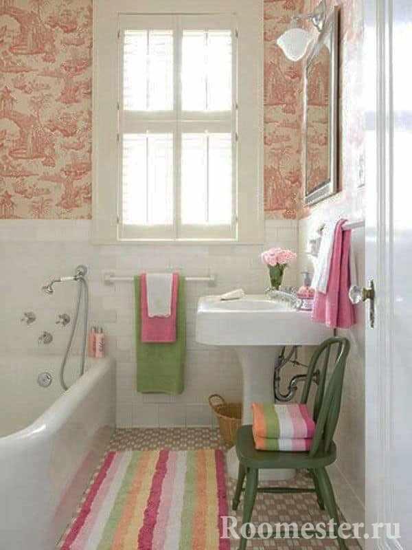 Окно в маленькой ванной придаст ощущения пространства