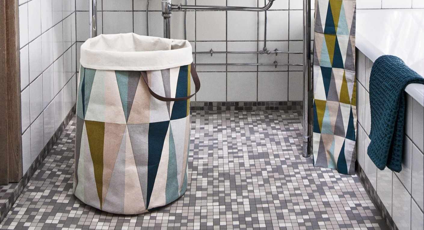 Бельевая корзина в малогабаритной ванной