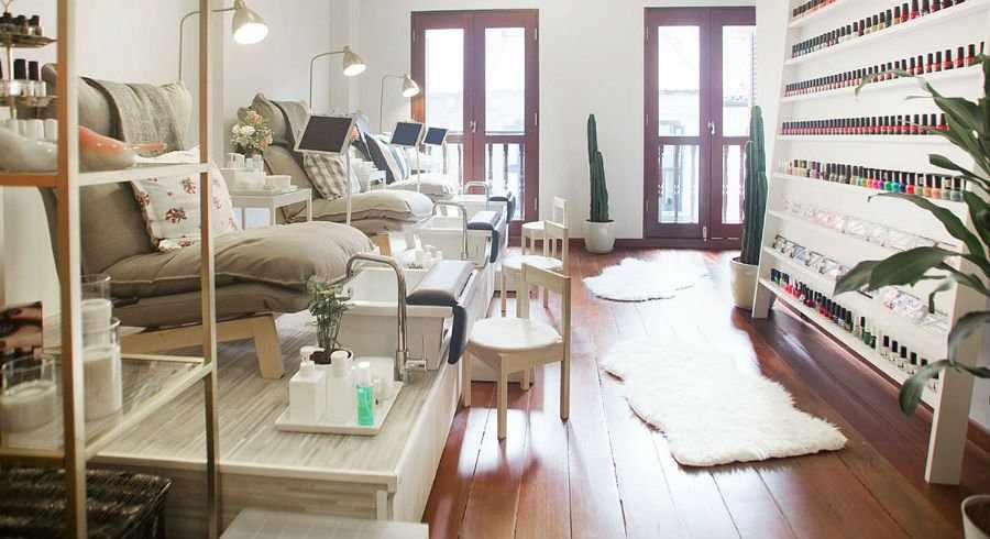 Кресла с подушками