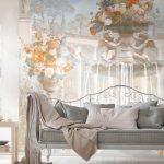 Фотообои с картиной за диваном