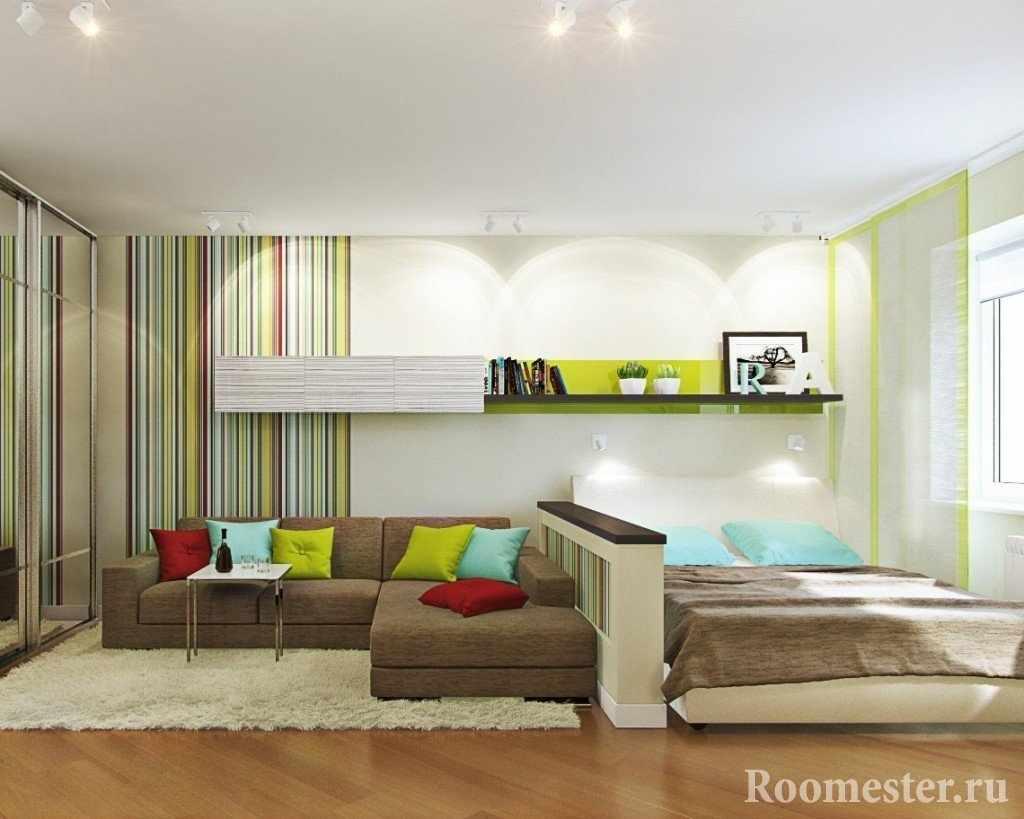 Зонирование комнаты с помощью невысокой перегородки и обоев
