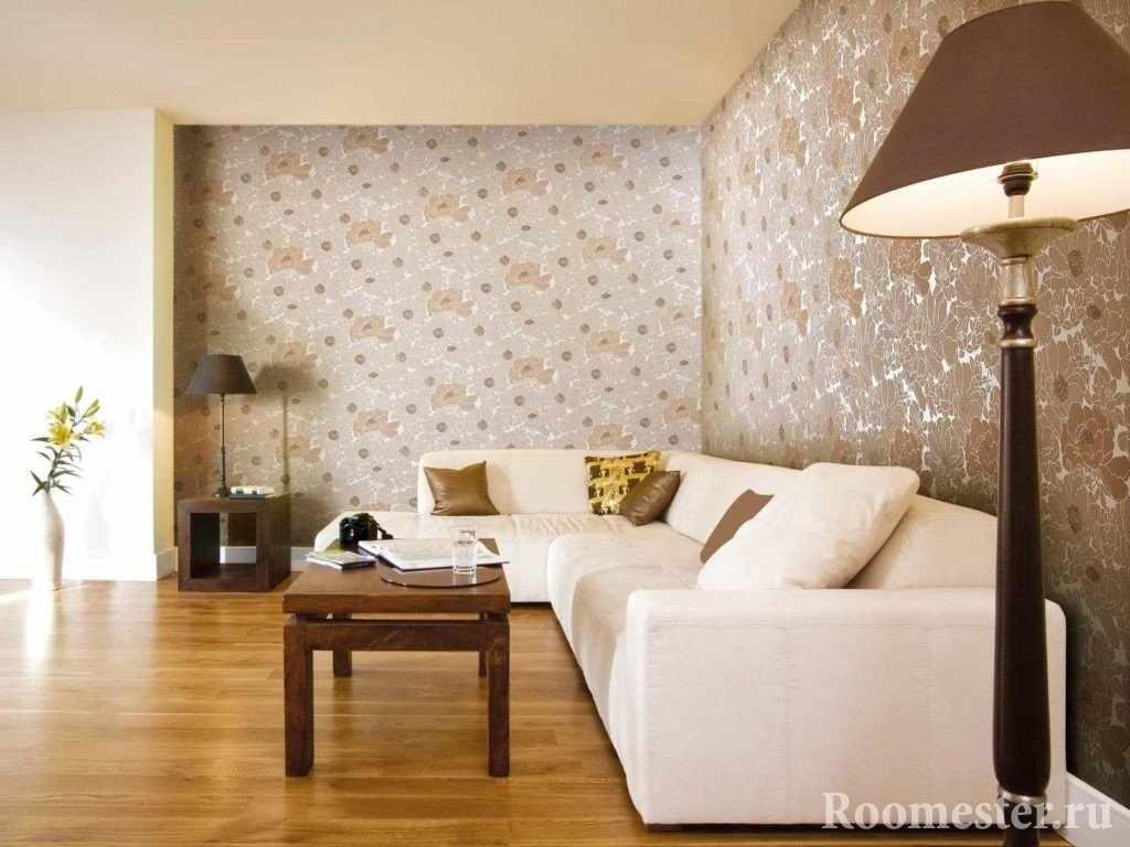 Угловой белый диван в гостиной