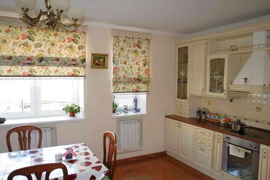 Шторы на кухонных окнах