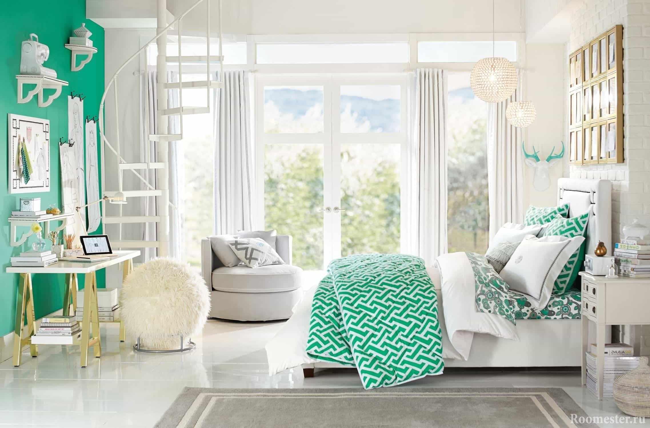 Комбинация белого и зеленоватого цвета в дизайне комнаты девочки-подростка