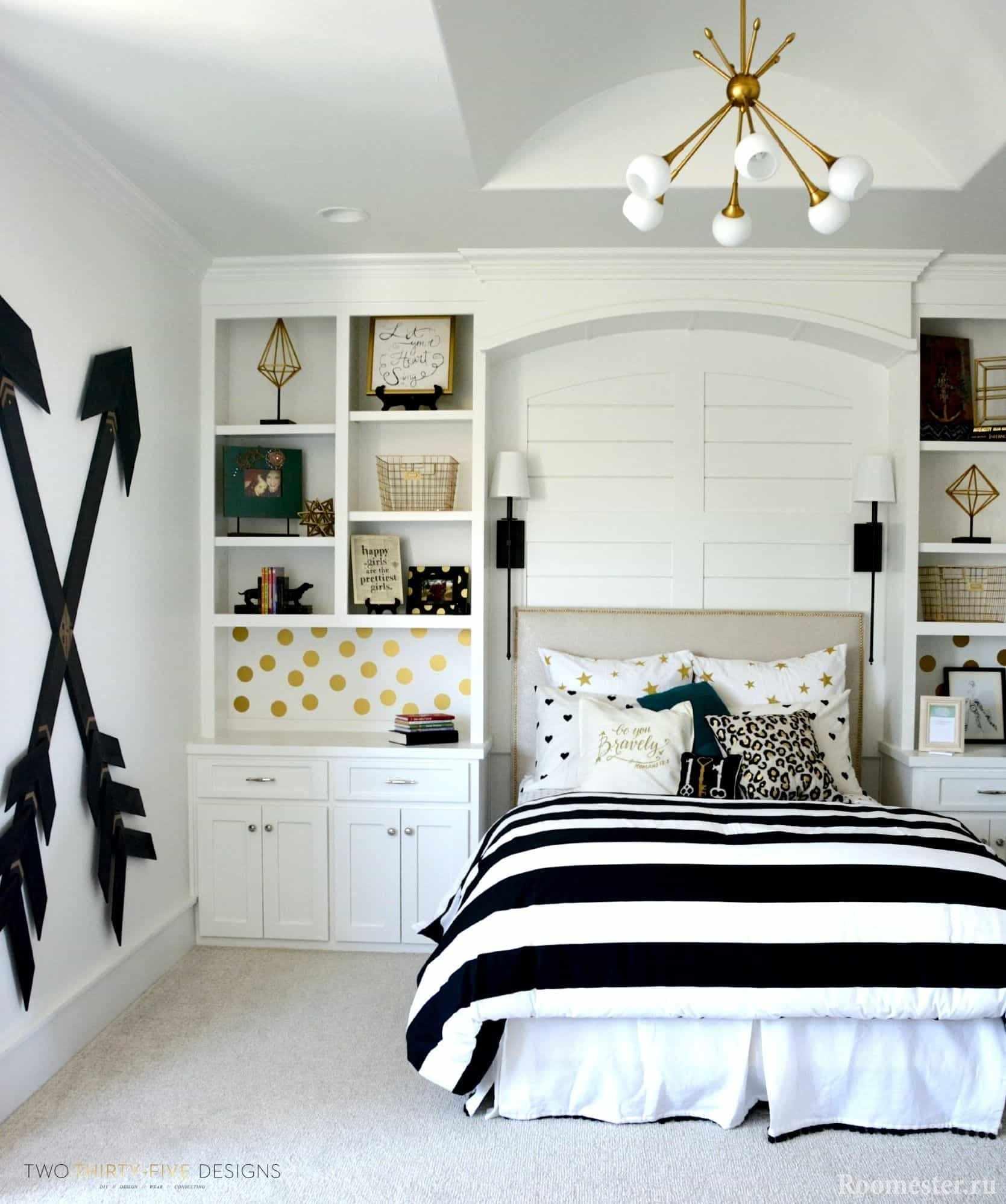 Черно-белый дизайн комнаты для девочки-подростка