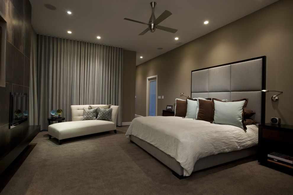 Дизайн спальни с точечными светильниками