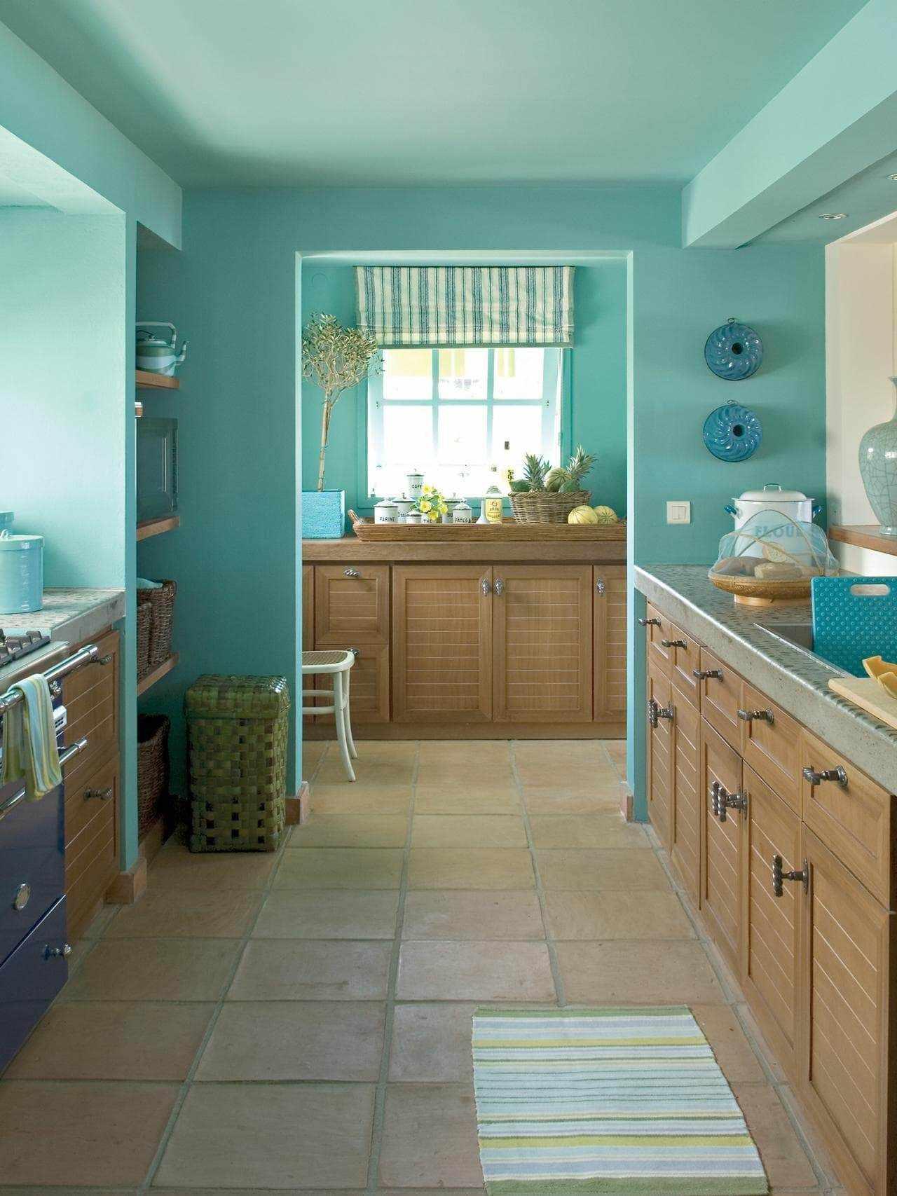 Крашенный потолок на кухне