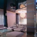 Колонны с подсветкой в гостиной