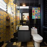 Декоративная отделка стены в ванной в виде сот